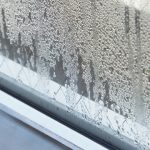 湿気対策はエアコンのドライで大丈夫?エアコン以外の方法やグッズは?
