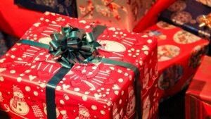 1000円のクリスマスプレゼントで職場向け男女兼用&無難なものは?
